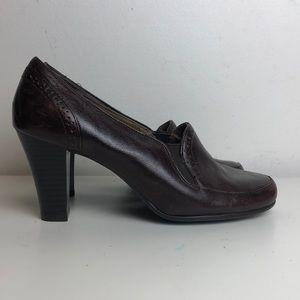 Reddish burgundy Aerosoles cerolean heels size 6.5